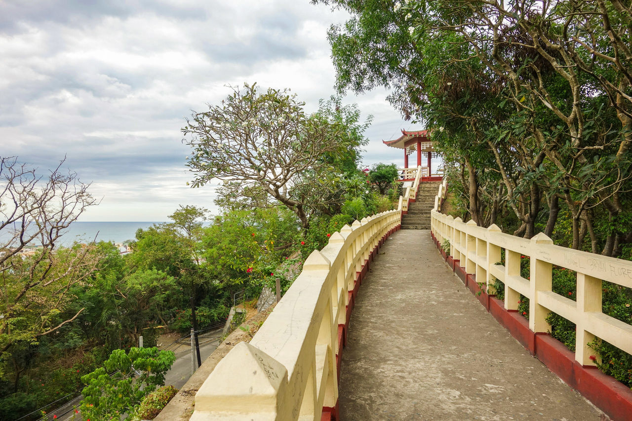 Filipino-Chinese Friendship Pagoda overlooking the West Philippine Sea Elyu Elyuclassic SanFernandoCity Launion Philippines Pagoda Urban Landscape Travelphotography Streetlandscape No People First Eyeem Photo