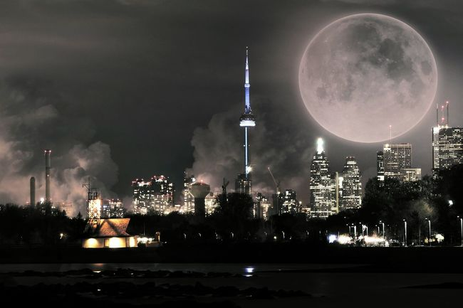 One. Last. Breath Traveling Wanderlust Travel Photography Eye4enchanting Dreams Full Moon Toronto Travel Canada