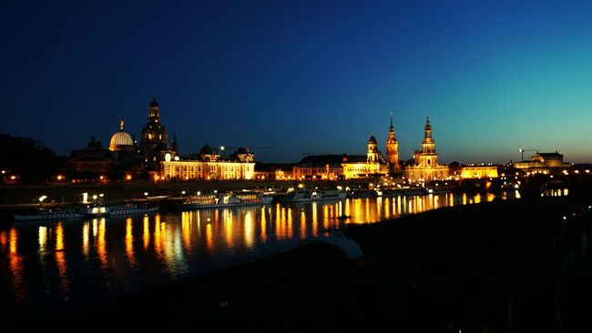 Dresden Elbflorenz Alpha6000 Nightphotography Night Lights Urban Reflections Saxony Sachsen Deutschland Germany🇩🇪