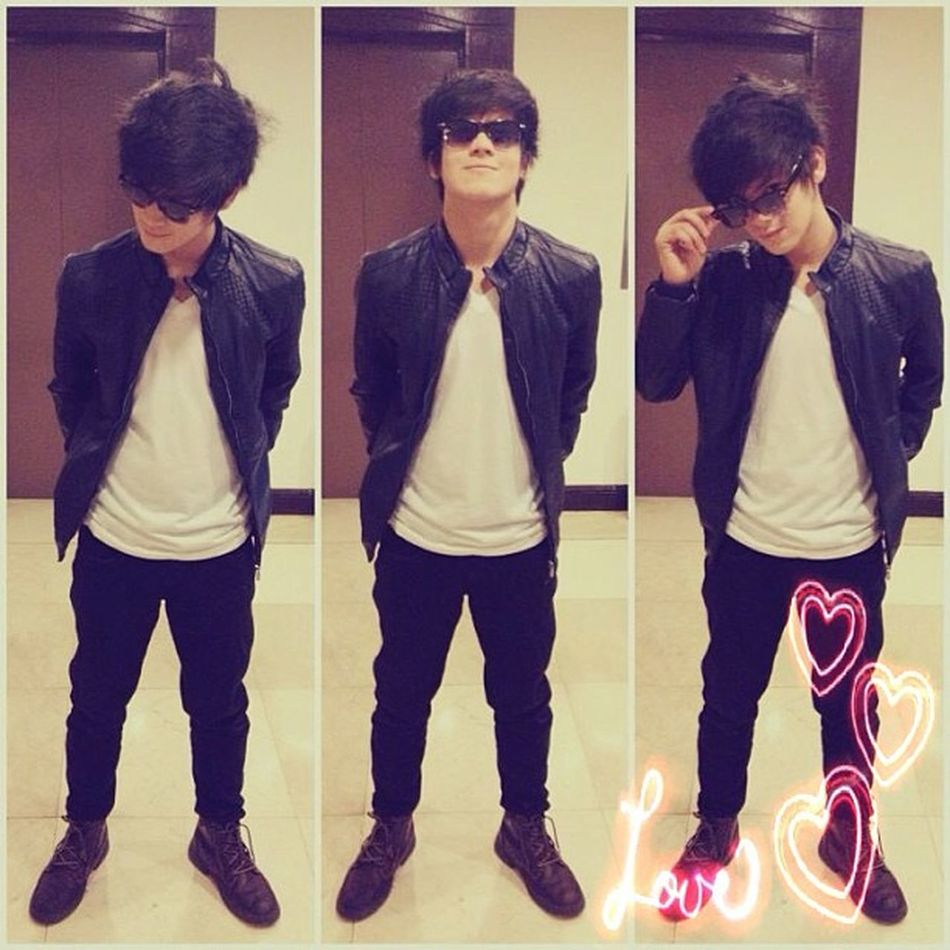 """My chicks! HOT SPOTTED ? @clarencedjvillafuerte Handsome SomeHand Pretty Everywhere :"""""""">"""