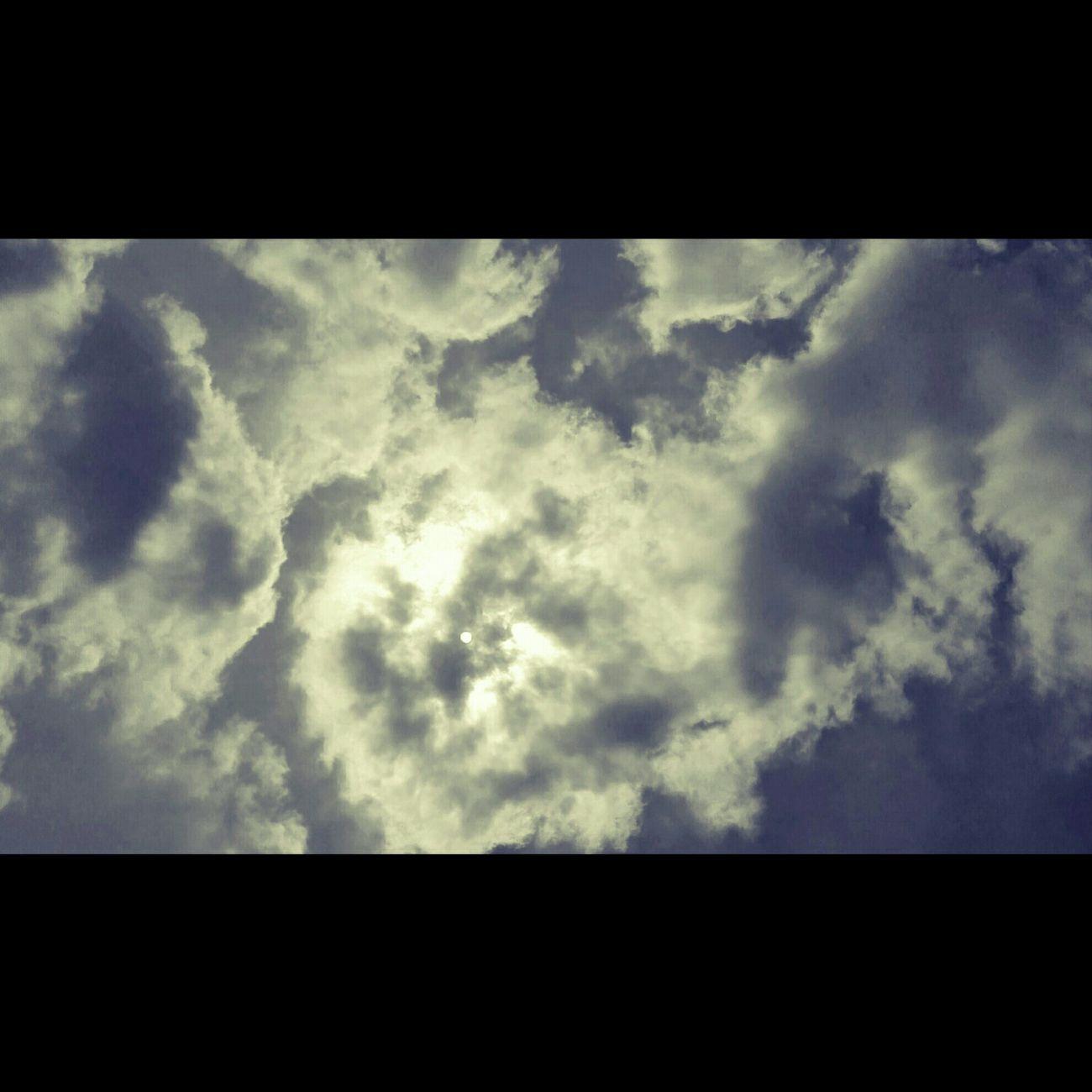 [Nube che passa sul sole. Viene giù subito un freddo che non te lo aspetti] Oceanomare Baricco Bariccoalessandro Nube Nubesulsole Nuvole Sky Skyandclouds  Clouds