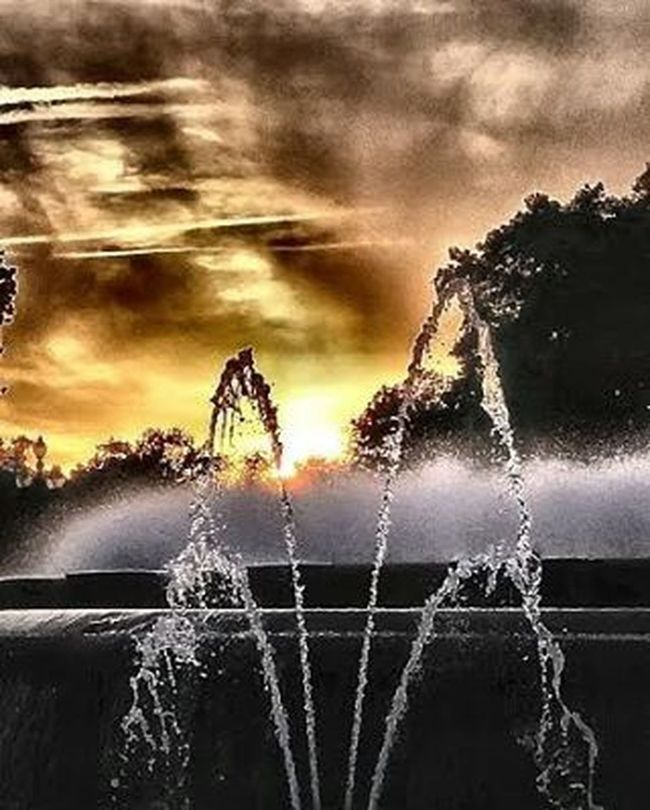 FontMagica Suihkulähde Fountain Fuente Fontaine Montjuic Barcelona Auringonlasku Sunset Puestadesol Coucherdesoleil Thebarcelonist EnjoyBcn Visitbarcelona Livelovebarcelona Igersbarcelona Ig_catalonia HDR Hdr_spain Ok_hdr Fotofanatics_hdr Kings_hdr Tv_hdr Sunsunsun_hereitcomes