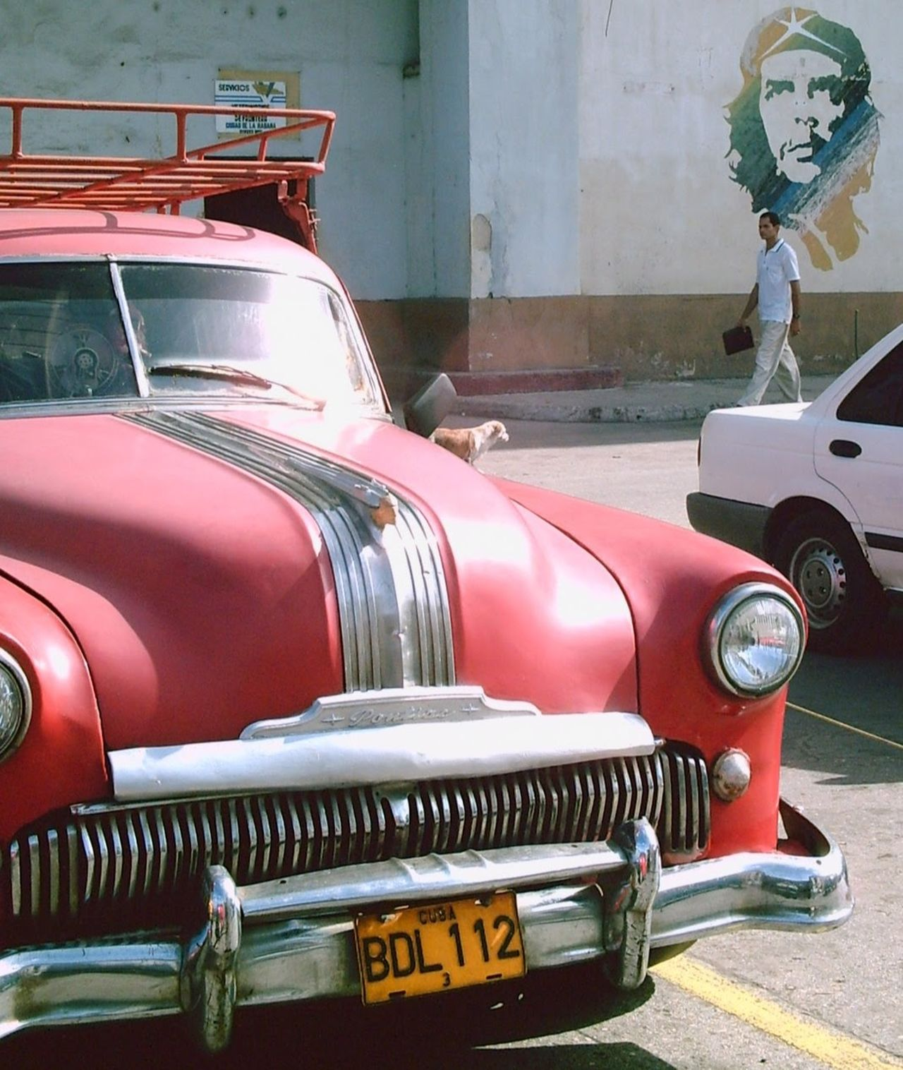Cuba Old Car Che Guevara Tourism Destina Day Land Vehicle Mode Of Transport No People Old-fashioned Outdoors Transportation