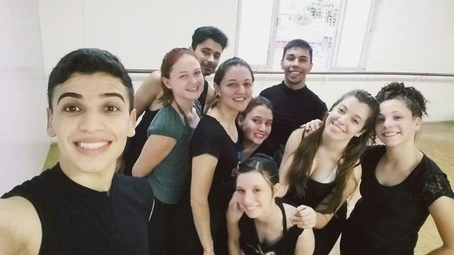 ELo cia de dança 💙💚 Dance Dancers Ballet Centrodeartespasdequatre Elociadedanca Elo Contemporary Contemporary Dance