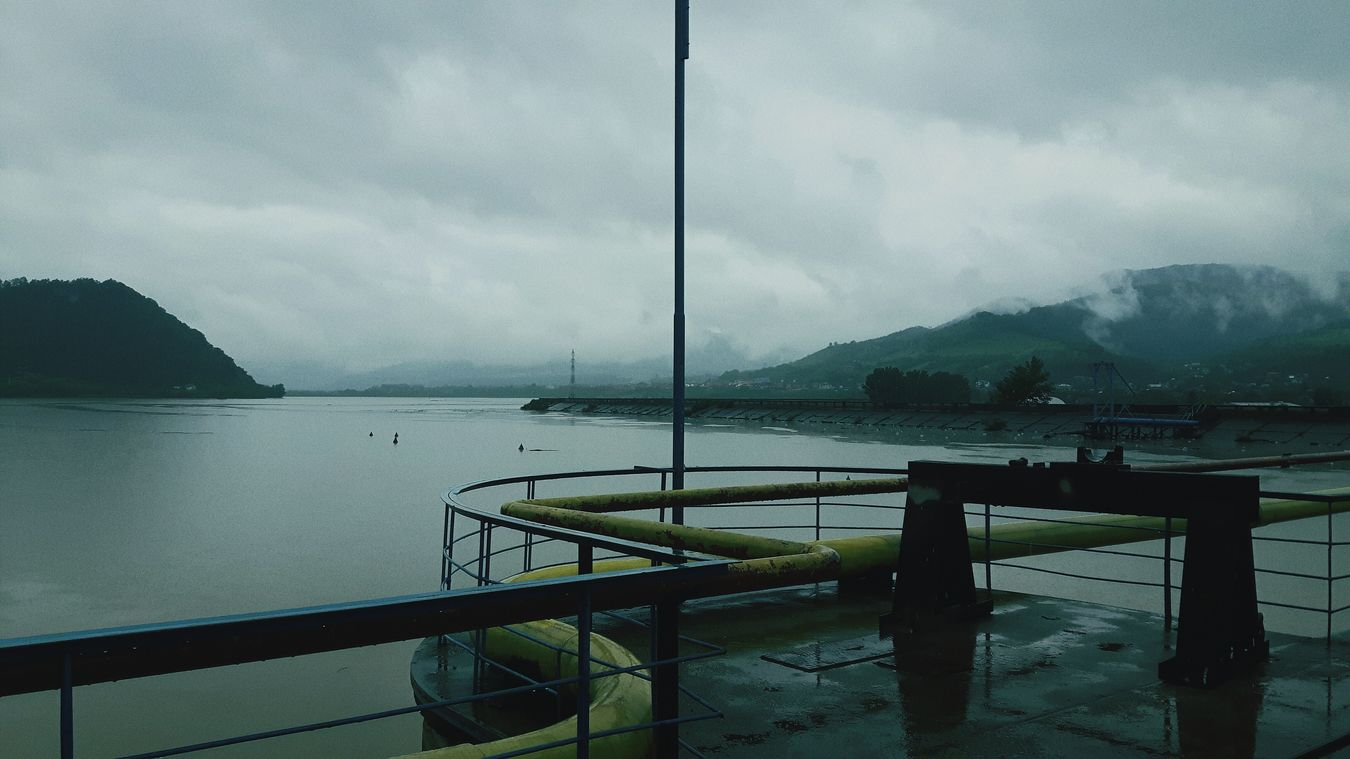 Lake Alone Time Alone In The City  Darkness And Light Dark Photography Myself Caught In The Moment Rainy Days 😚 Without People