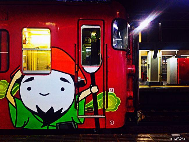 今日は東京からお客さんがきた。タグ付きのカニなんて初めて食べたよ😅ちょっと飲みすぎ…まだ月曜日か😥 Train Train Station Commuting Enjoying Life Kanazawa-shi Japan