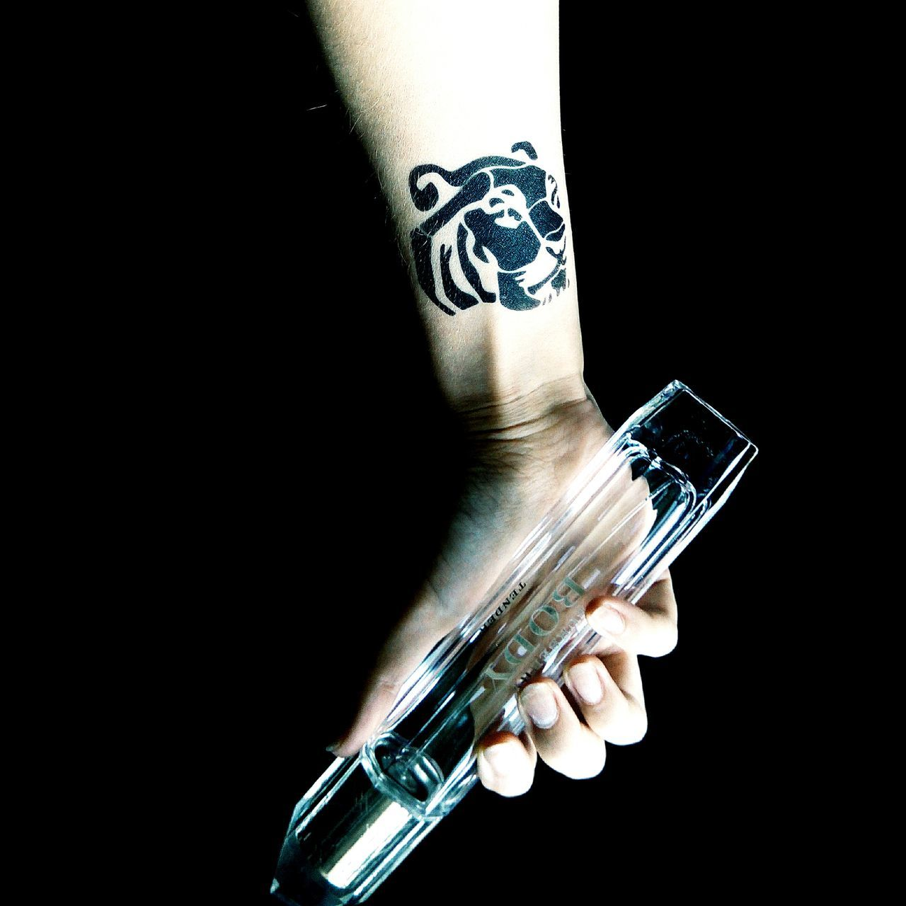 human hand, black background, weapon, studio shot, holding, human body part, close-up, handgun, technology, one person, indoors, people