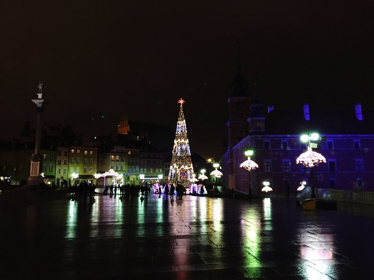 Oldtown Christmas Lights Rain Reflection Water Reflections Winter_collection Lotti On Tour