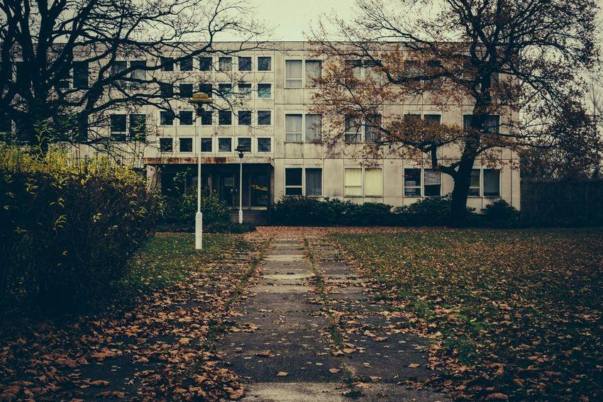 Berlin Karlshorst Plattenbau DDR Ostalgie