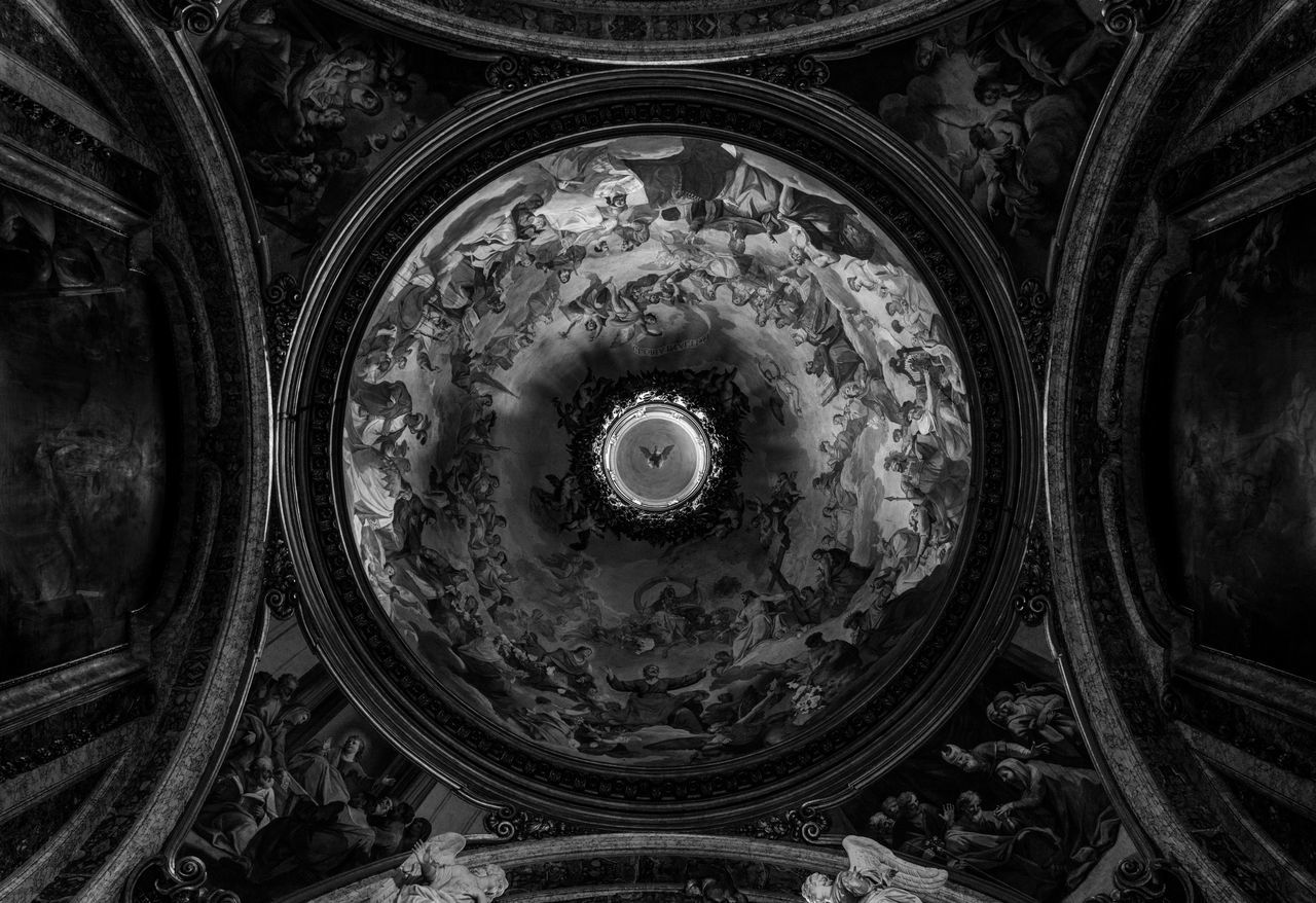 Round About (3). Low Angle View Dome Indoors  No People Day Directly Below Italia Bella Italia Ceiling Low Angle View Lookingup Blackandwhite Black And White Black & White Blackandwhite Photography Black&white Black And White Photography Italy Rome Roma Rome Italy Europe Church Place Of Worship City