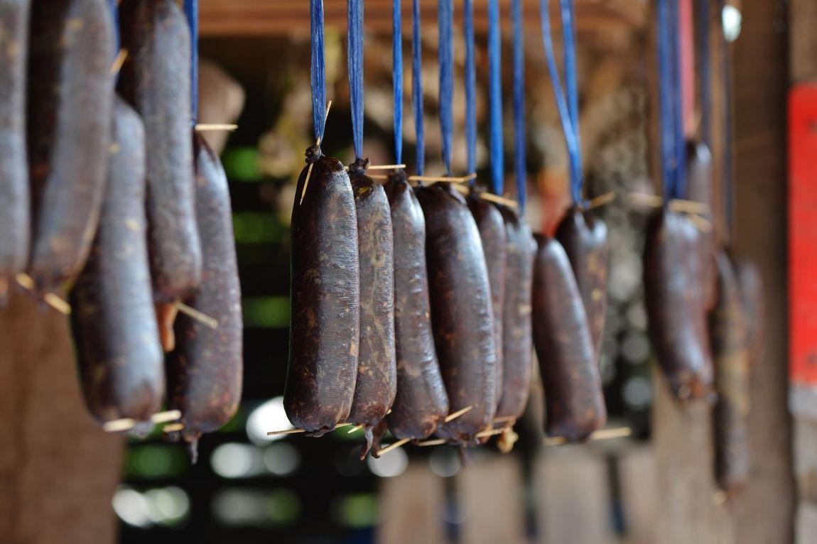 Hanging Food And Drink Food Drying Sausage Beef Sausage Live To Eat Homemade Homemade Food Hang Dry Sundried