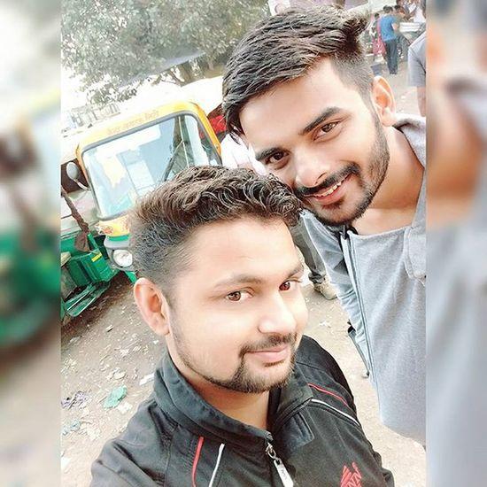 Bus Stop Wale Selfie 😝😜😁😹 Lucknowdiaries
