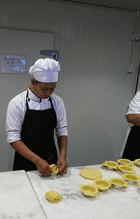 Gravy Baby Taman Desa Kuala Lumpur Malaysia Making Pie Best Pies In Kuala Lumpur Restaurant Clean The Kitchen Restaurant Kitchen Chefs Busy Hands In The Kitchen Pie Makin' Hospitality Restoran Orderly Have To Try Time To Dine Dining Out Atmosphere Preperation Chefs Hat Great Food Go For Dinner