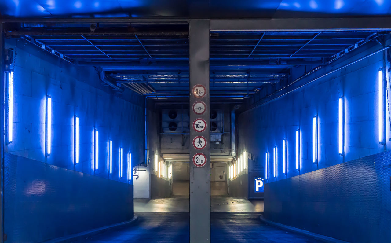 Architecture Blue Built Structure Day Einfahrt Entrance Garage Indoors  Modern No People Parkhaus Parking Garage Signs Traffic Transportation Underground