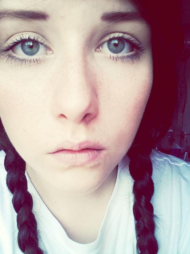 Seltsames Gesicht  Ugly Girlwiththeuglyface Feeling Sick