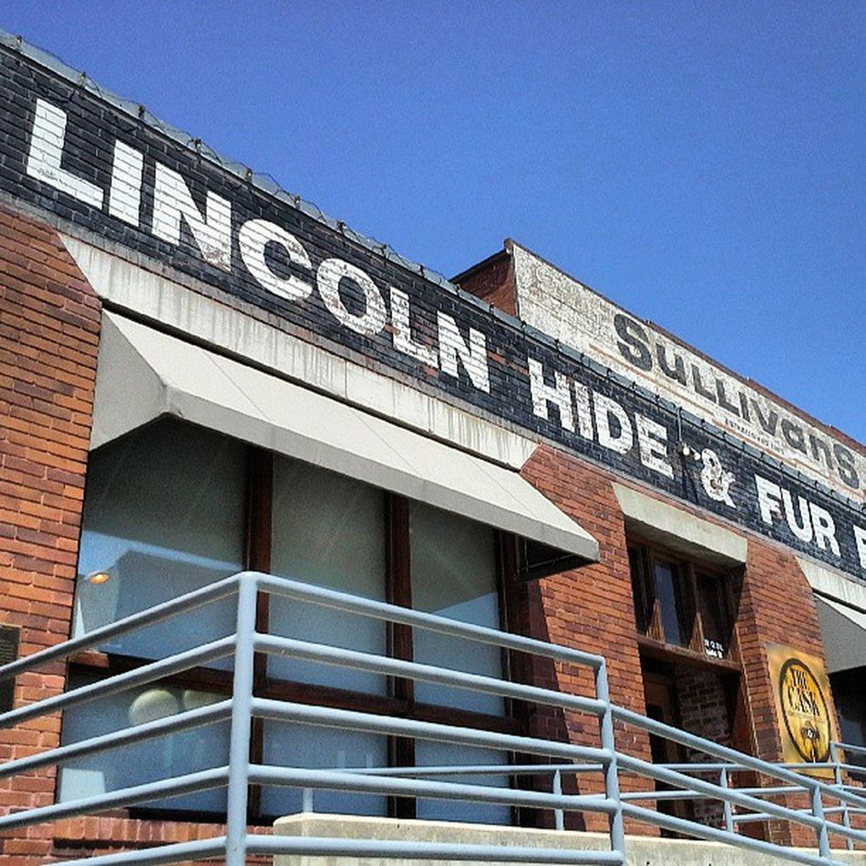 Hides and Furs Lincoln Hides Fürs Sign historical NEBRASKA HayMarket pub lettergetter lettering Typography streetalma Q almaproject
