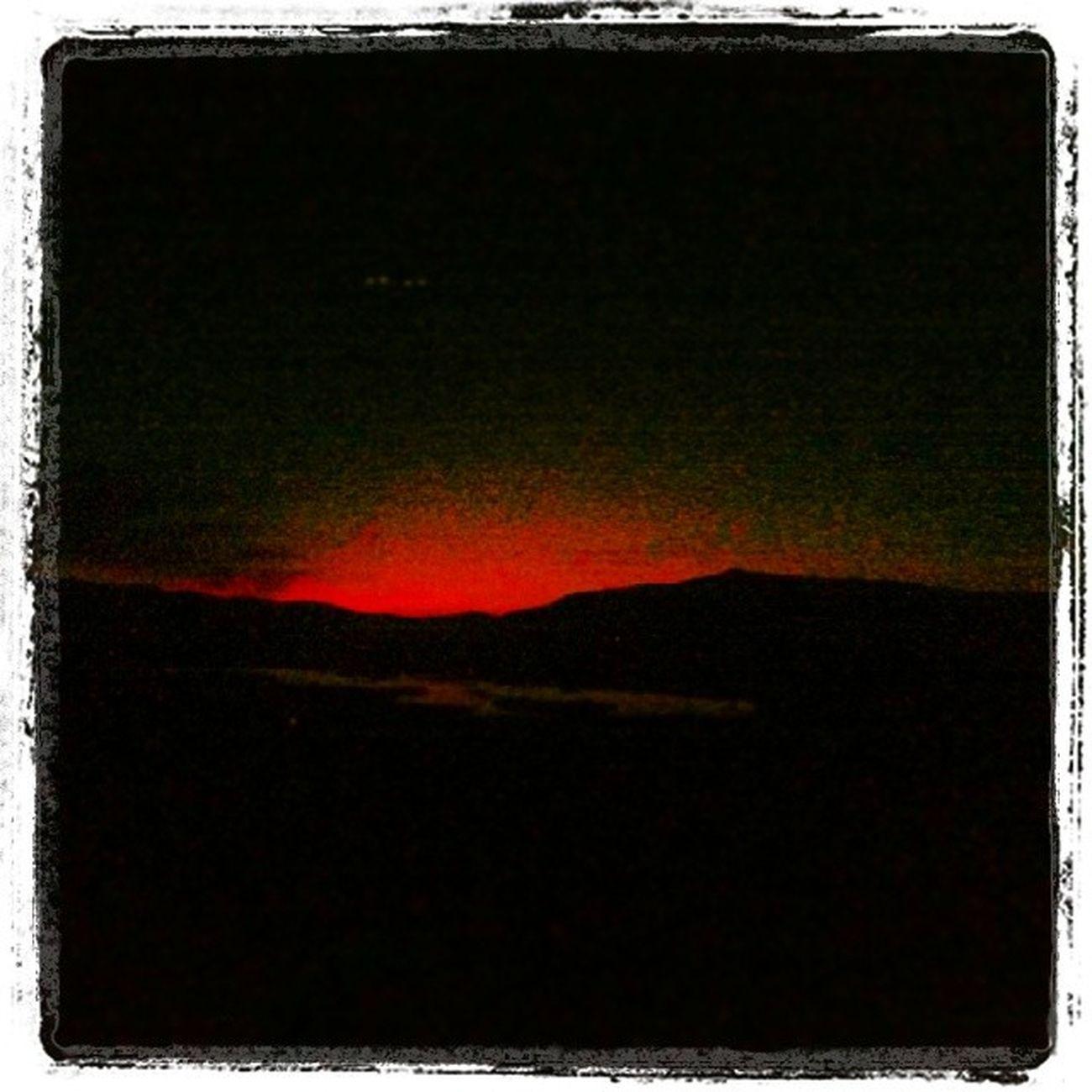 Ben kaçar der gibi kızıl kızıl güneş. Hadi bana eyvallah.