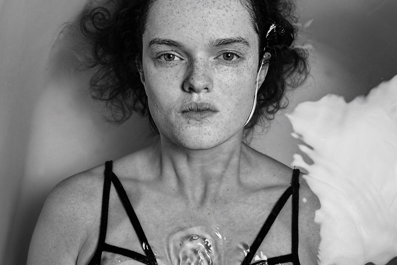 portrait headshot swimming pool women fashion model beautiful woman