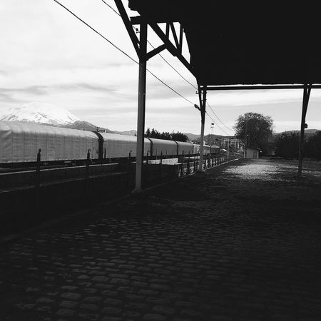 Taking Photos Mobilephotography Vscocam Vscoturkey Streetphotography Train Station Blacckandwhite B&W Collection Way To Go