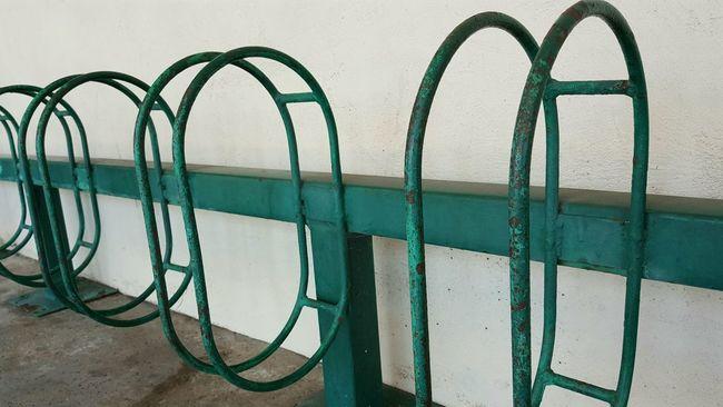 Bike Rack Rusty Paint Decay Walking Around Suburbia