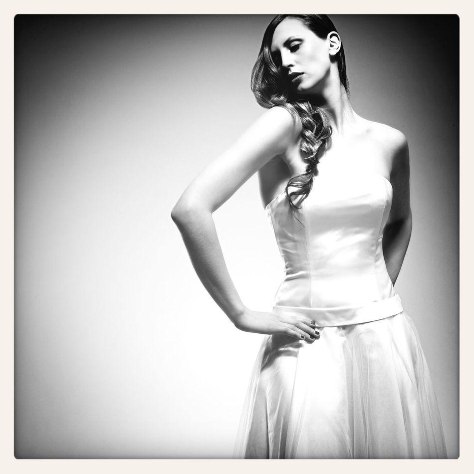 www.emanuelhendrik.com WeddingMadeingermany Brautmode