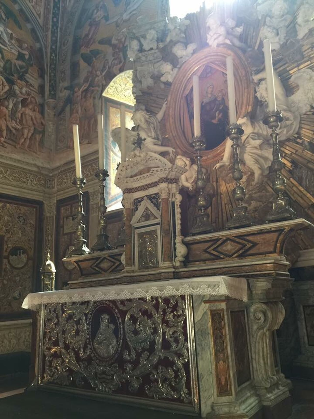 Duomo E Cappella Di San Brizio Religion Art And Craft Low Angle View Place Of Worship Spirituality Travel Destinations Built Structure No People Architecture Sculpture Indoors  Ancient Civilization Umbria History Beautiful Place Witnessserenity Umbria, Italy Italy🇮🇹