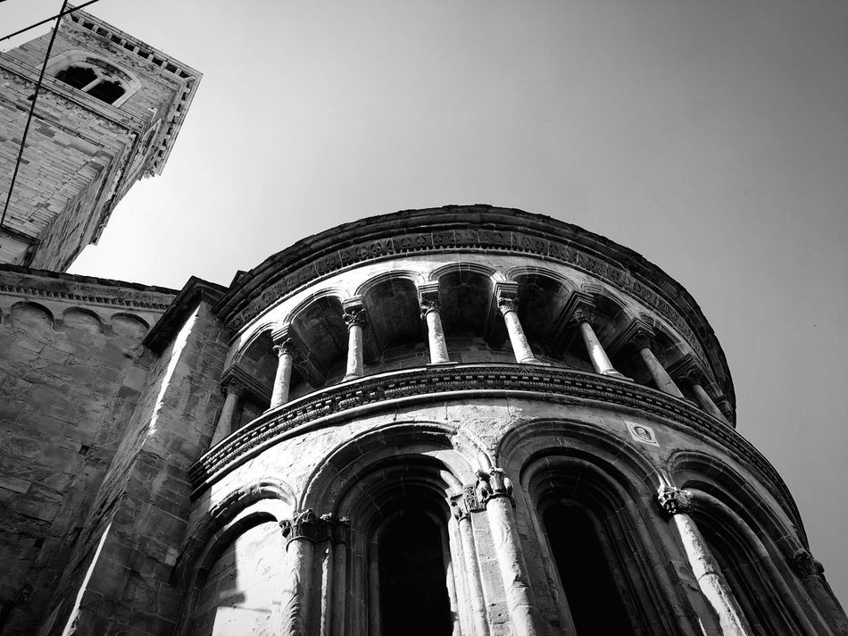 Monochrome Photography Art Low Angle View Building Exterior No People History Religion Sky Street Photography Streetphotography Black & White Black And White Streetphoto_bw Travel Photography Blackandwhite Travel Destinations Traveling Travel Church Old Buildings Italia Italy Bergamo Light And Shadow Spiritual