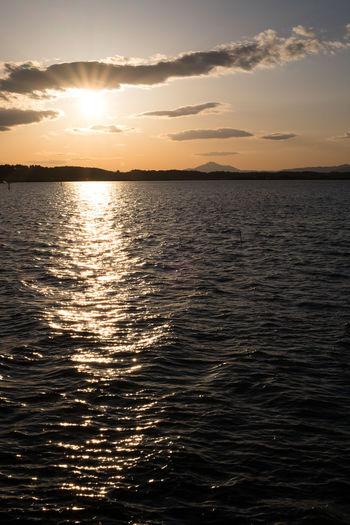 涸沼から見える筑波山。最近忙しくて全然EyeEm見てなかった(>_<) Mt.Tsukuba Nature River Sunset Swamp 涸沼