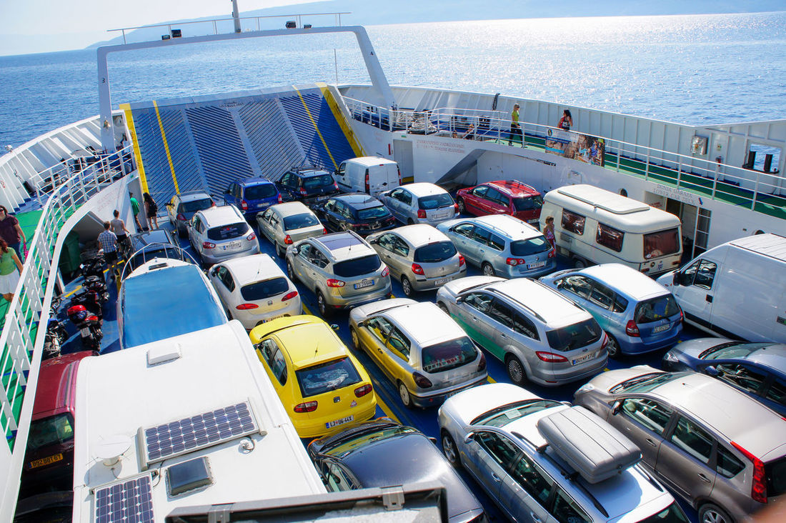 Cars Crowded Going On A Boat Ride Here We Come Sunny Weather The Tourist The Turist Vacation
