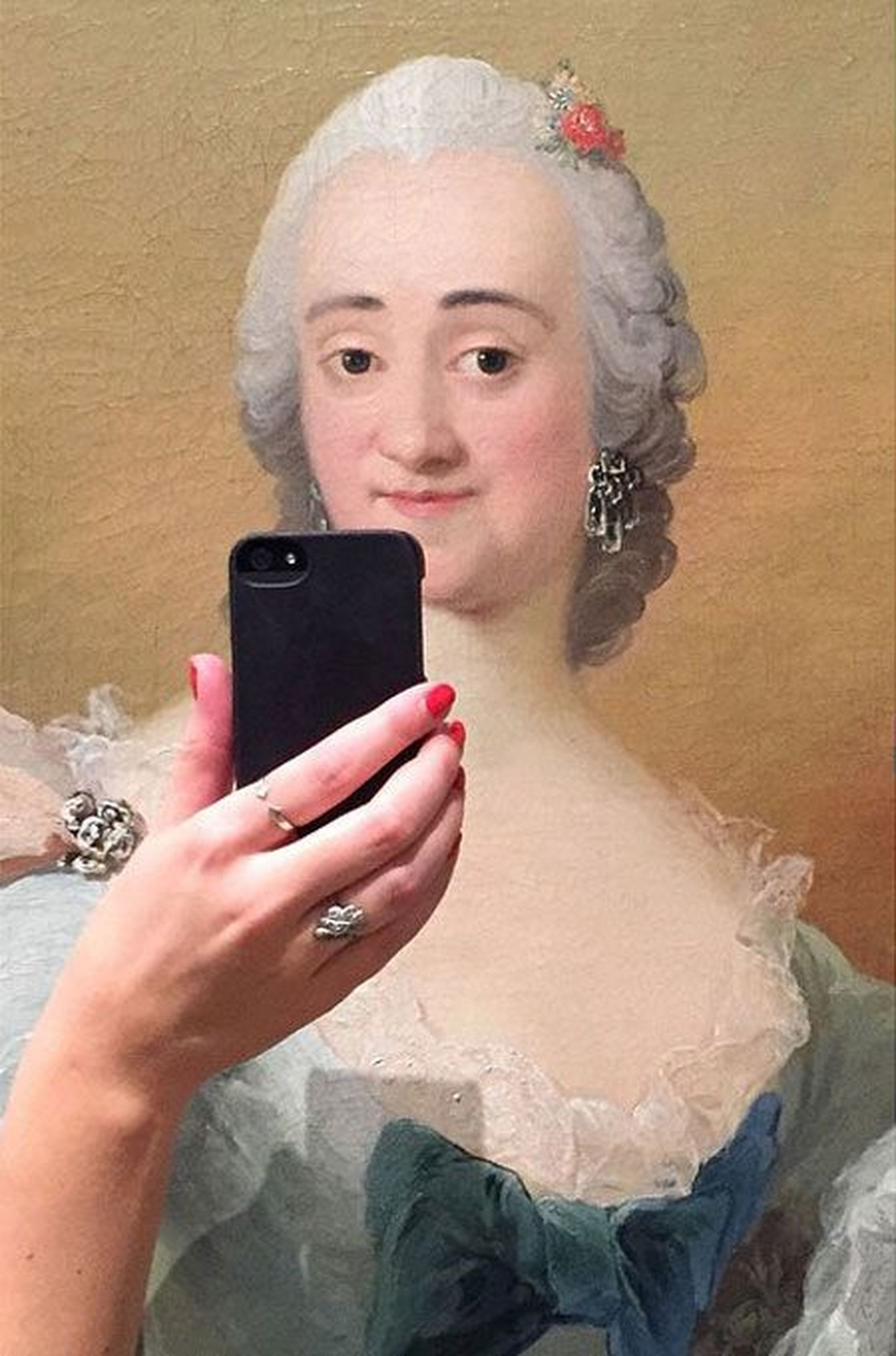 Museum Paintings Taking Selfies ????