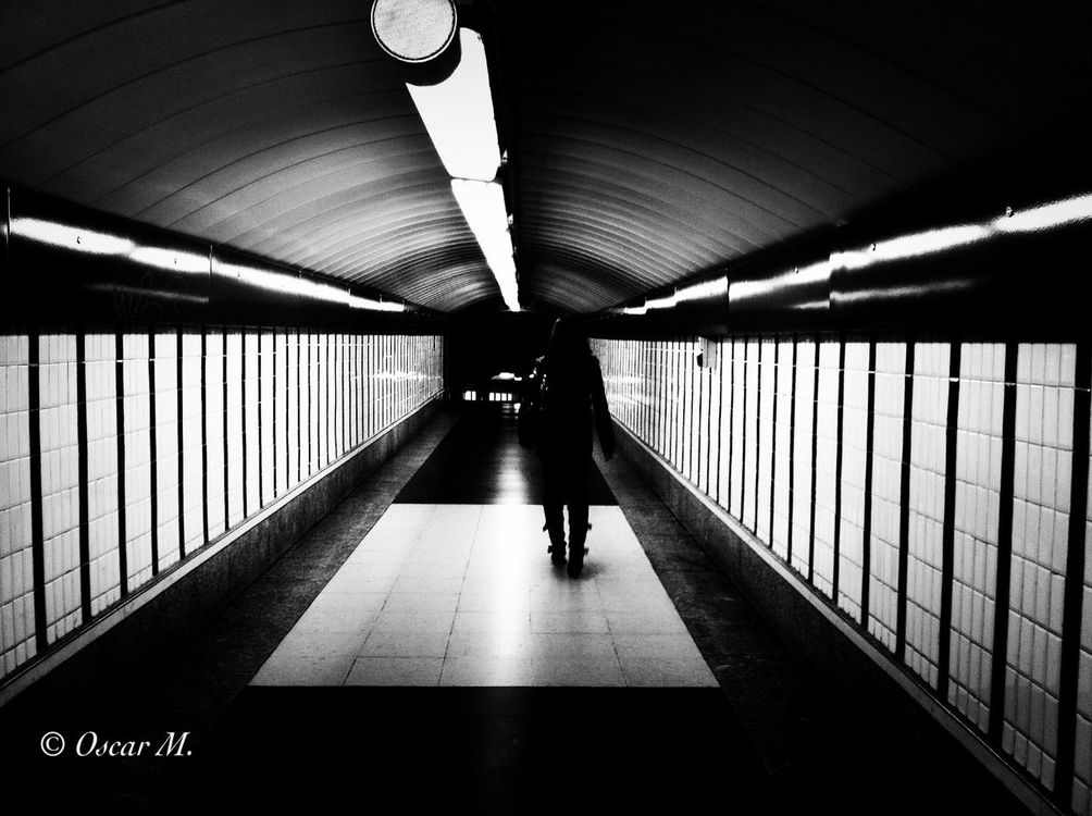 blackandwhite at Metro Madrid by iPhone_Man