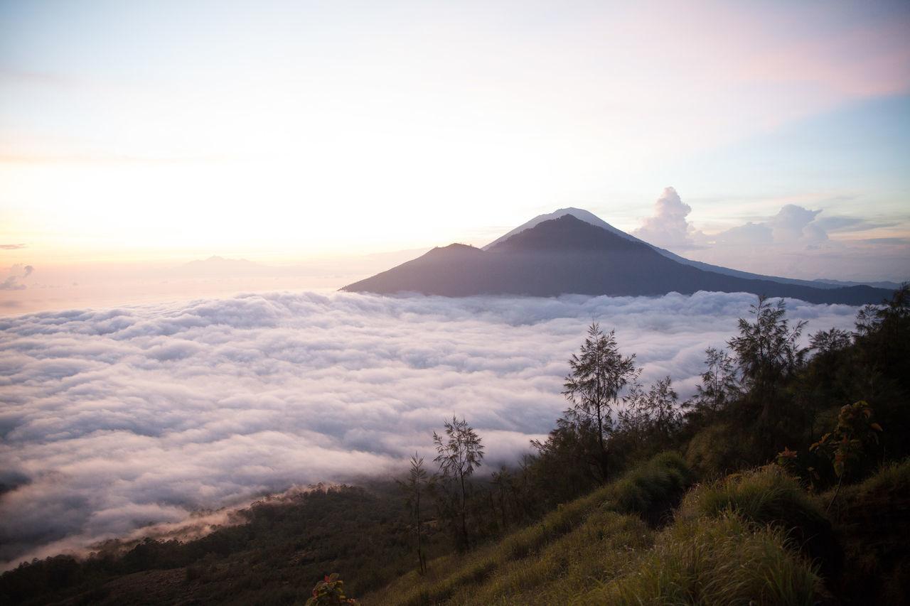 Beautiful stock photos of sunrise, Awe, Beauty In Nature, Cloud, Horizon