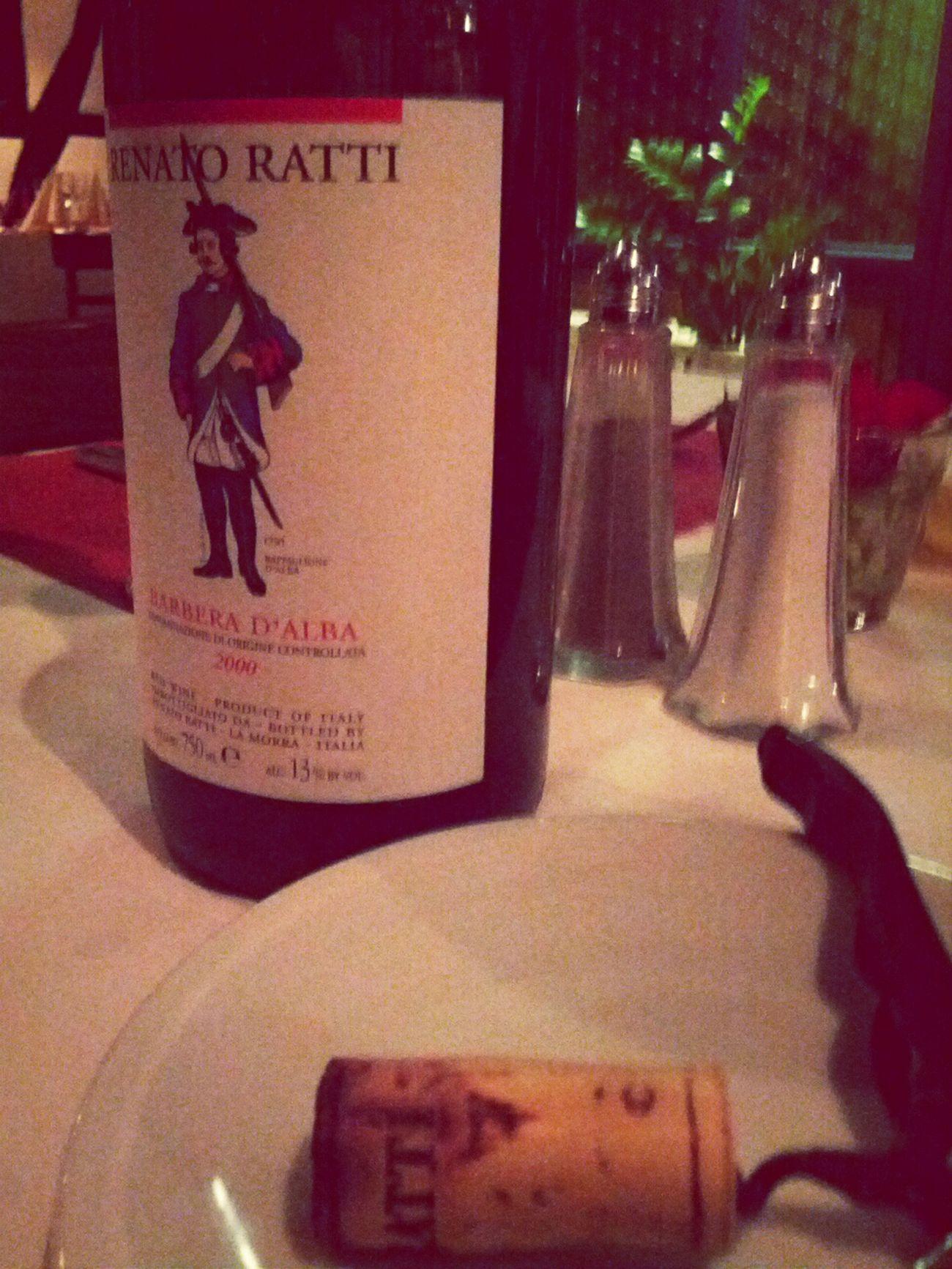 Flasche leer. Mamma Mia In Vino Veritas