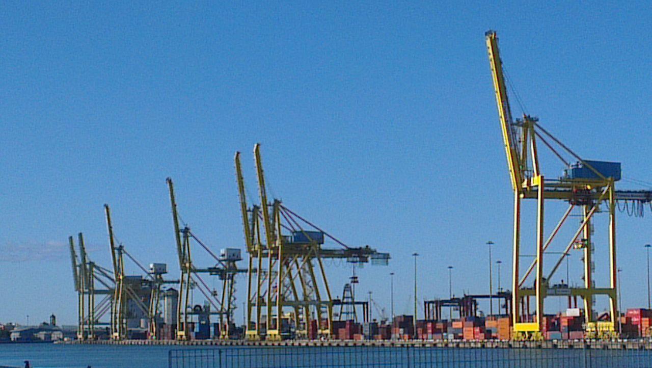 Gru... porto di Livorno On The Road Born To Be Wild Landscape Costruction