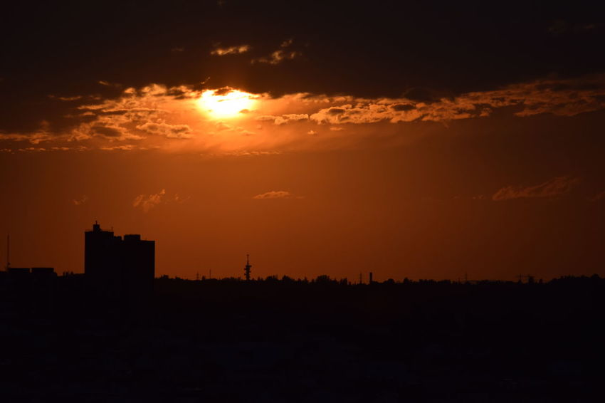 #apocalypse Sky #madrid Atmosphere Calm City Dramatic Sky Silhouette Skyline Sunset Tranquility