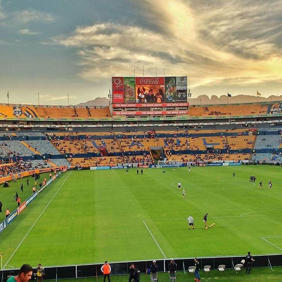 Soccer party!! 🐯 Tigres UANL TigresUANL Soccer Cristoferpicture Concacaf