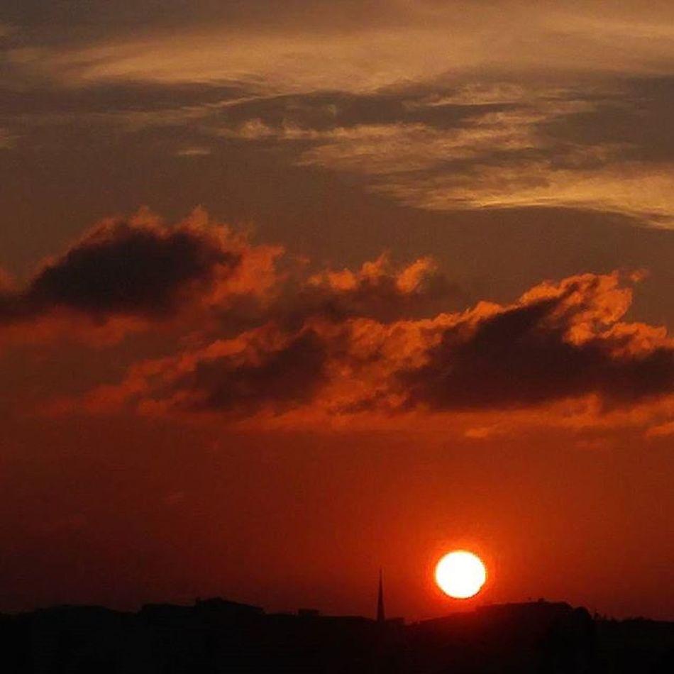 The endDay Istanbul Akşam Gunbatimi Goodevening  Huzur Guzellik Sunsetlovers Sunset Istanbuldayasam Istanbuldaaksam Anilarinisakla Ig_indonesia_ Igworldclub Ig_today Ig_mood Orange Turkinstagram Turkey All_sunsets All_shotsturkey Instagram