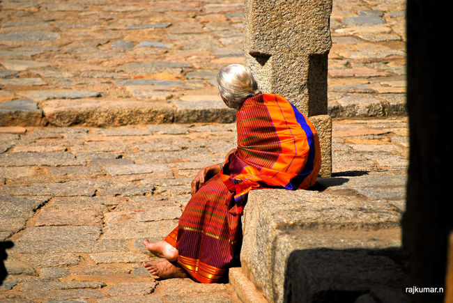 Expectation EyeEm Best Shots EyeEm Gallery Incredible India India Indian Woman Innocence Old Age Orange Color Outdoors Red Red Color Vibrant Color Waiting