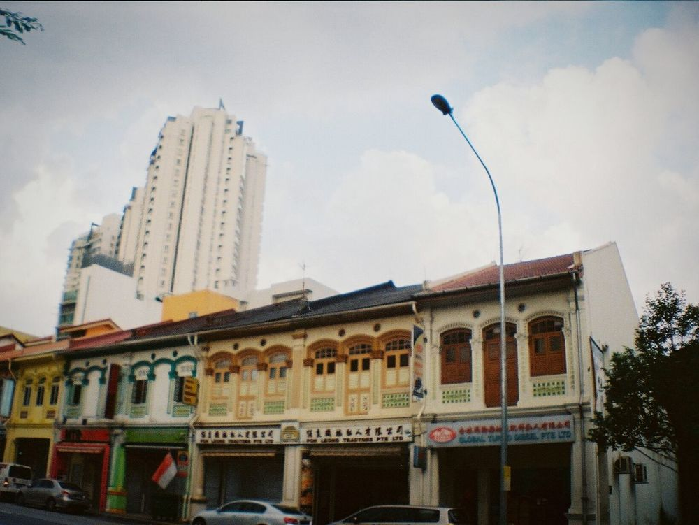 La Sardina 35mm Film Photography Analog Analogue Photography Street Photography Analog Camera Film Camera Filmisnotdead Keep Film Alive Analogue Love Analogue Vibes Your Design Story The Street Photographer - 2016 EyeEm Awards Architecture Photography Architecture Little India Singapore