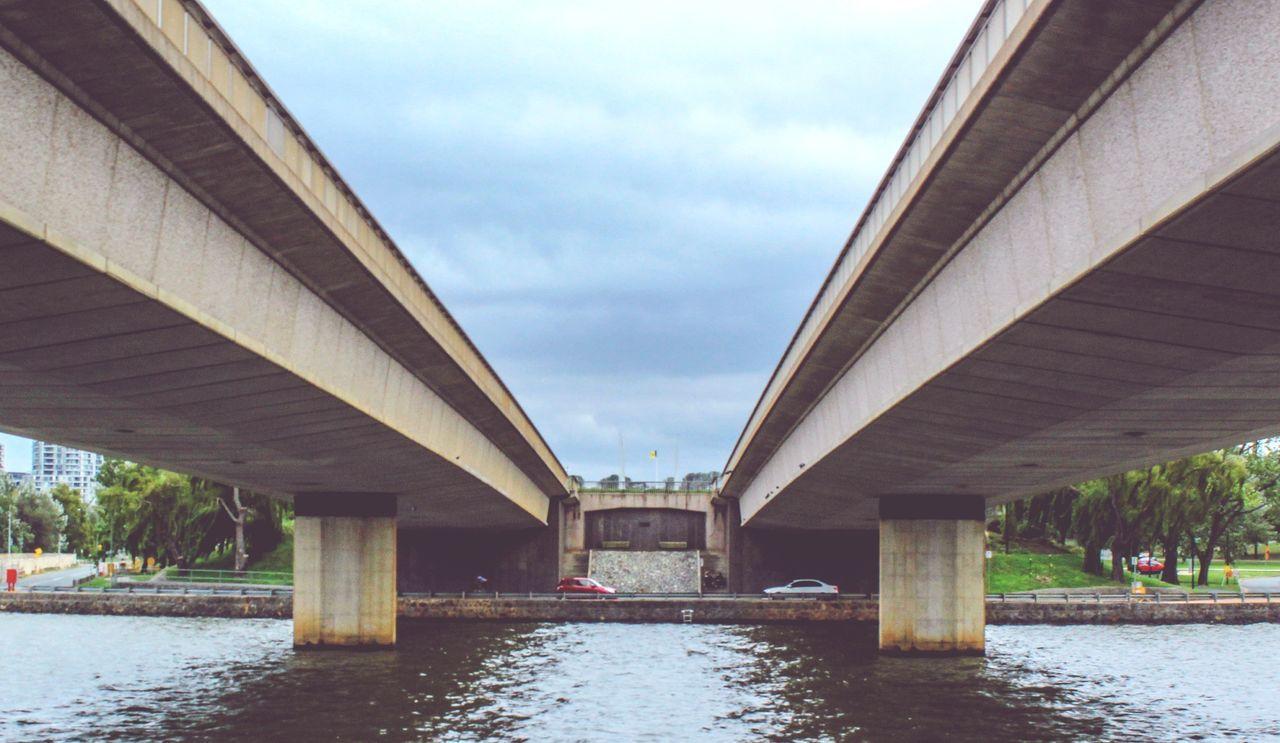 Commonwealth Avenue bridge. Bridge - Man Made Structure City Water Below Commonwealth Canberra Australia The Architect - 2017 EyeEm Awards EyeEmNewHere