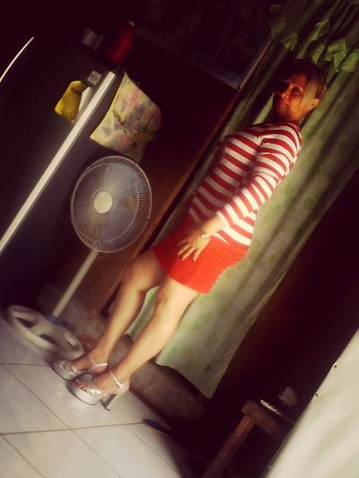 Me Modeling Phillipine Girl That's Me Hello World i trying to post mood,,,,