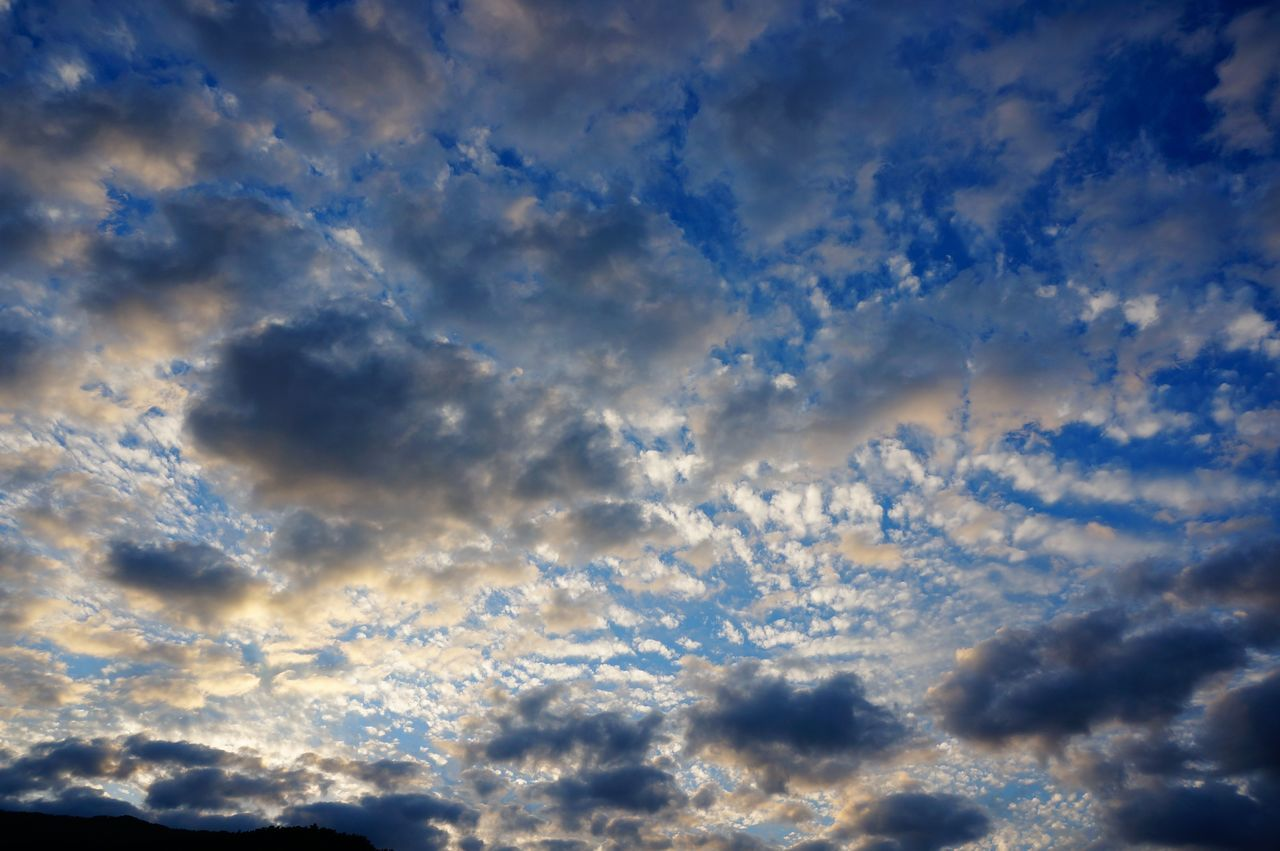 Photography In Motion Nature Sky And Clouds Nature's Diversities Sky Skylovers Clouds And Sky Abstract Weather Change Melancholic Landscapes Tranquility Beauty In Nature Nature Photography Fine Art Photography EyeEm Nature Lover Fragility Landscape Capture The Moment Motion