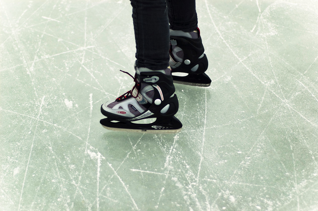 Close-up Human Body Part Ice Rink Ice Skate Ice Skates One Person Outdoor Activities Outdoor Activity People Real People Scratchy Scratchy Ice Shoe Skating Skating ✌ Standing Winter Winter Activities Winter Sports Winter Sports On The Frozen Lake