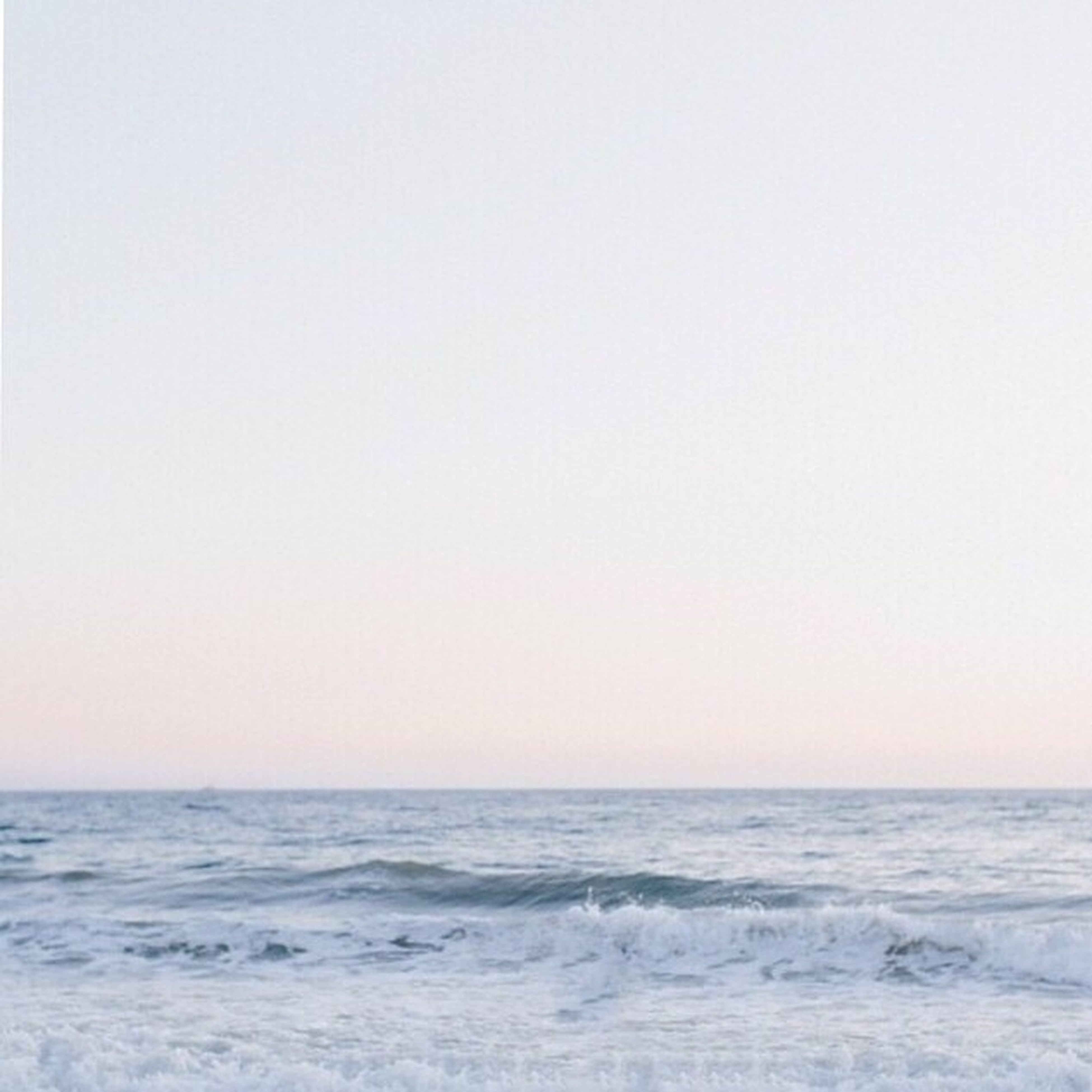 sea, horizon over water, water, copy space, clear sky, scenics, waterfront, tranquil scene, beauty in nature, tranquility, wave, nature, seascape, idyllic, beach, rippled, remote, no people, outdoors, shore