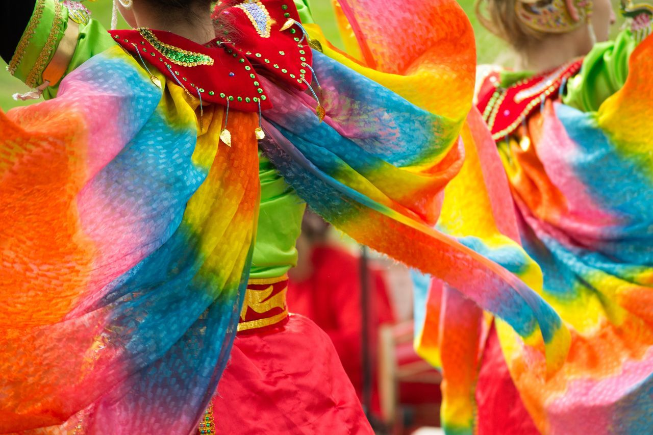 The beauty of street performers Beautiful Clothing Colors Cultures Dance Fabric Movement Rainbow Soft Textile