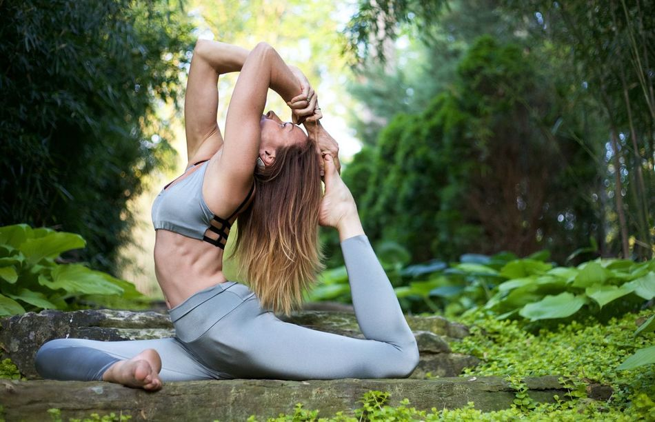 Beautiful stock photos of yoga, 45-49 Years, Barefoot, Blond Hair, Caucasian Ethnicity