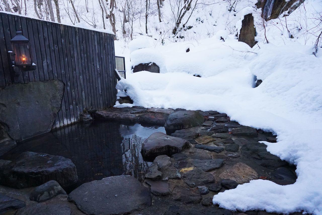 2016 Aomori Aoni Onsen Cold Temperature Doctor  Hot Spring Japan Lamp Lamp No Yado Nature Onsen Outdoors Snow Water Winter ランプの宿 温泉 露天風呂 青森 青荷温泉