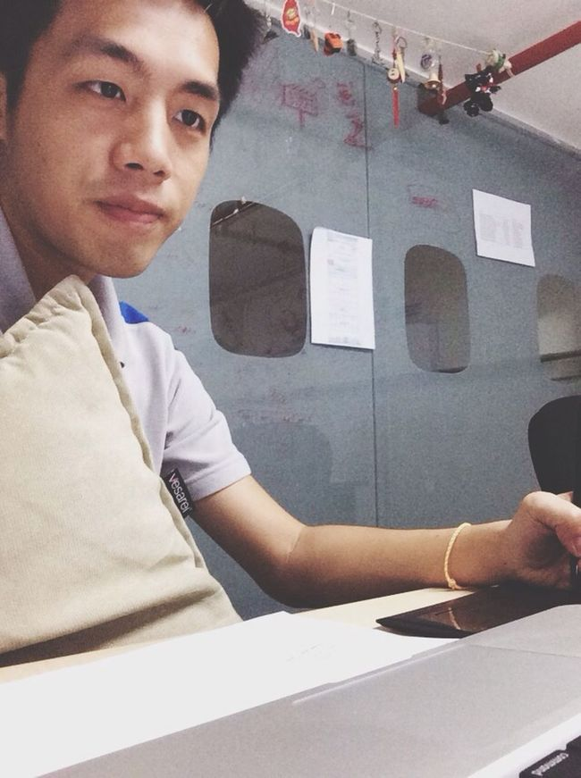 完全呆滯,腦袋一片枯乏的一天。 Working Exhausted So Tired Penang
