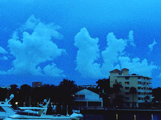 Clouds to the west. Clouds And Sky Twilight Sky Floridaaaaa