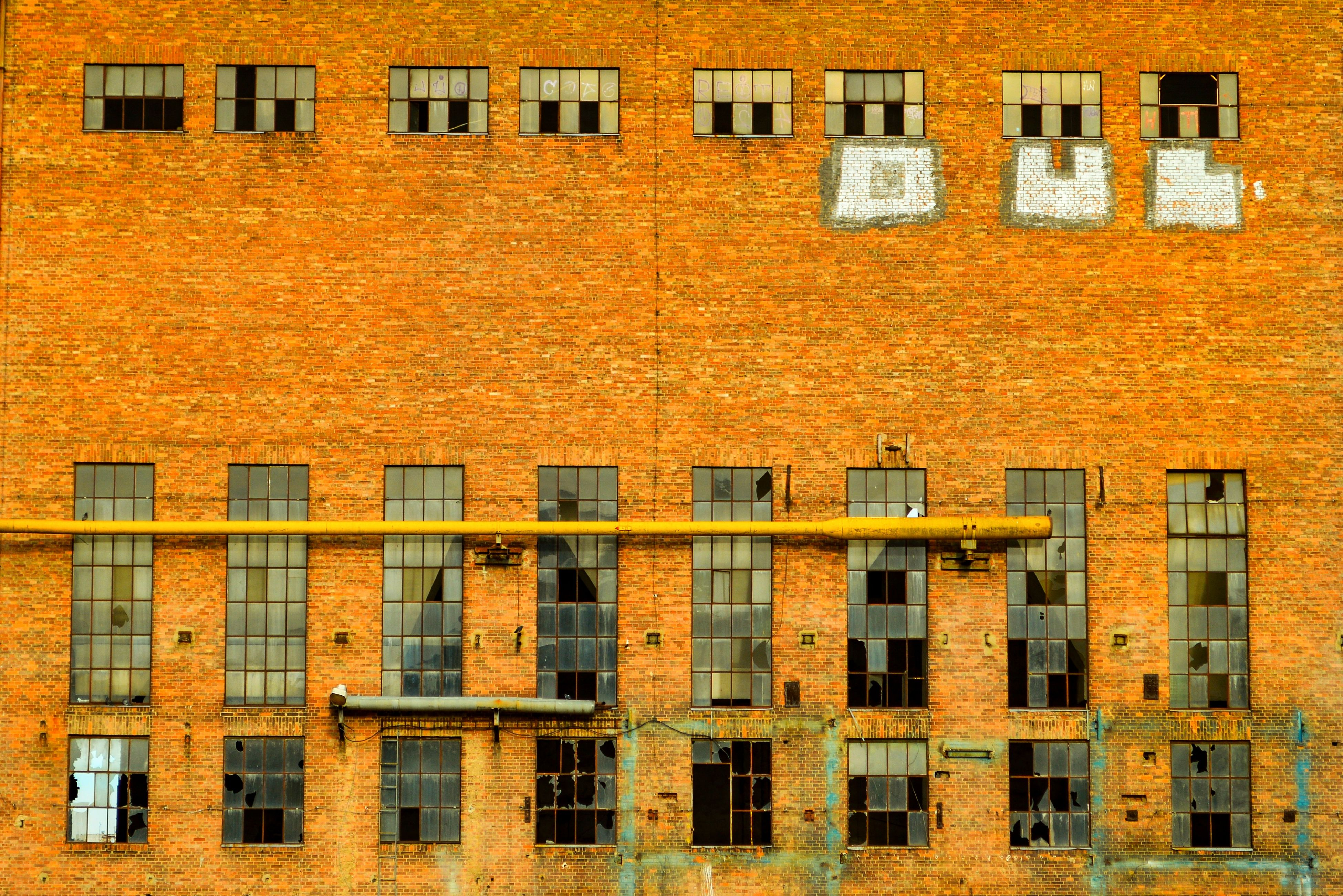 building exterior, built structure, architecture, city, outdoors, brick wall, residential building, no people, day